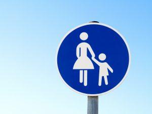 Rechte Radfahrer auf Gehweg und in der Einbahnstraße