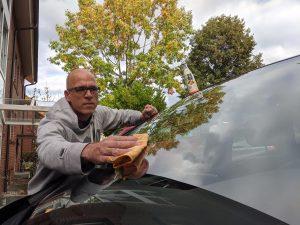 Autoscheibe putzen Hausmittel