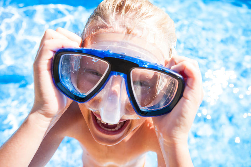 Pool Kind Tauchen Brille